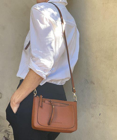 LOUENHIDE VENICE CROSSBODY MODEL