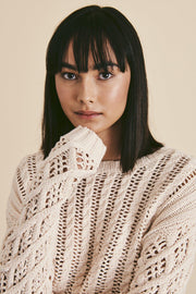 LINE INDRA SWEATER CLOSE UP