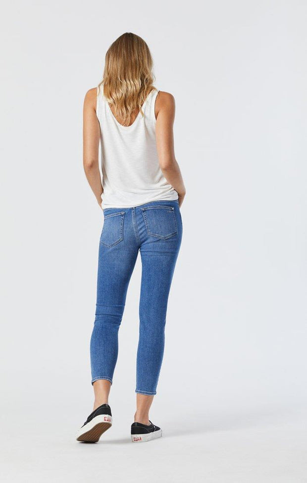 MAVI TESS JEANS IN MID RIPPED FEATHER BLUE BACK