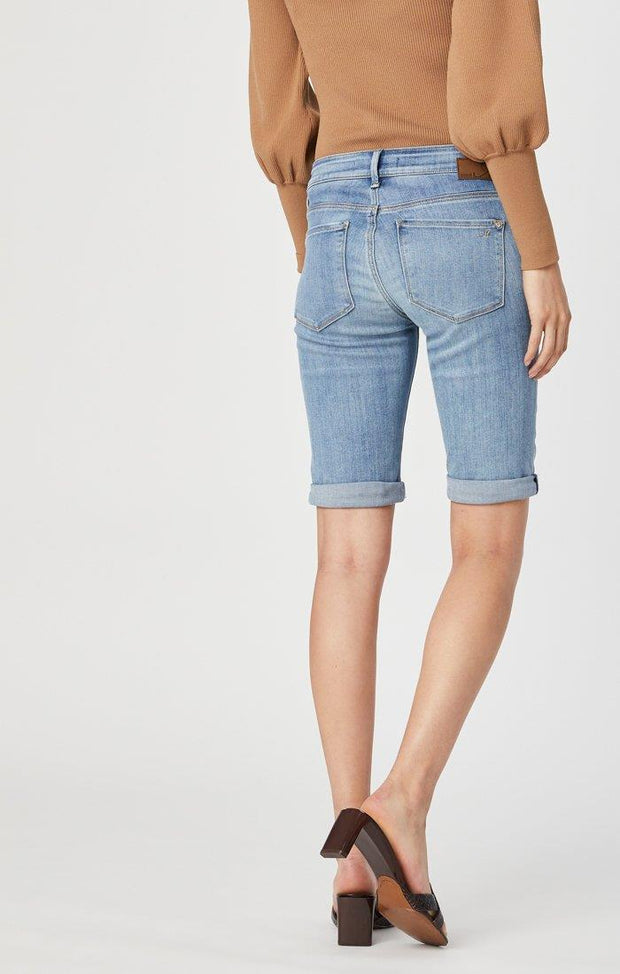 MAVI KARLY SHORTS IN LIGHT FOGGY SUPERSOFT