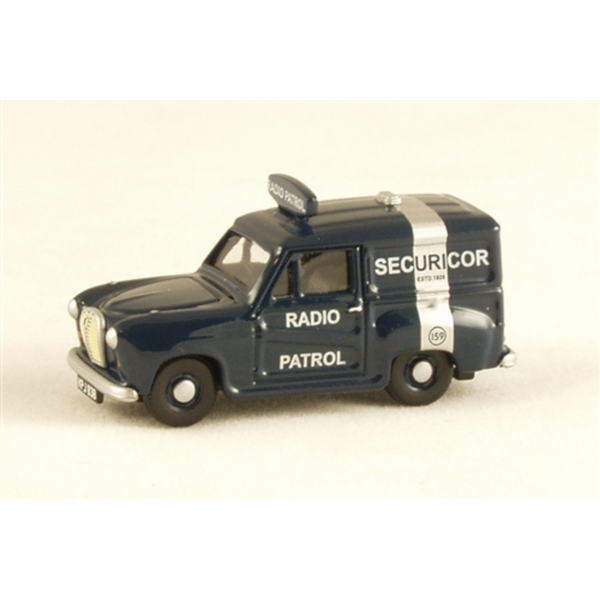 Classix EM76666 Austin A-35 Van - Securicor Radio Patrol
