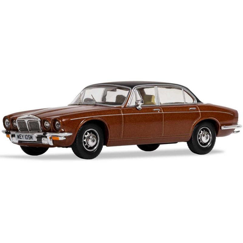 Corgi VA13900 Daimler Sovereign (Series 2) Double Six Vanden Plas, Caramel