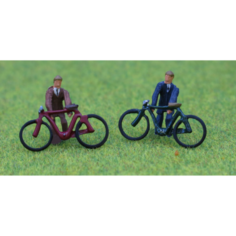 PD Marsh 2x Painted Cyclists (OO Gauge)