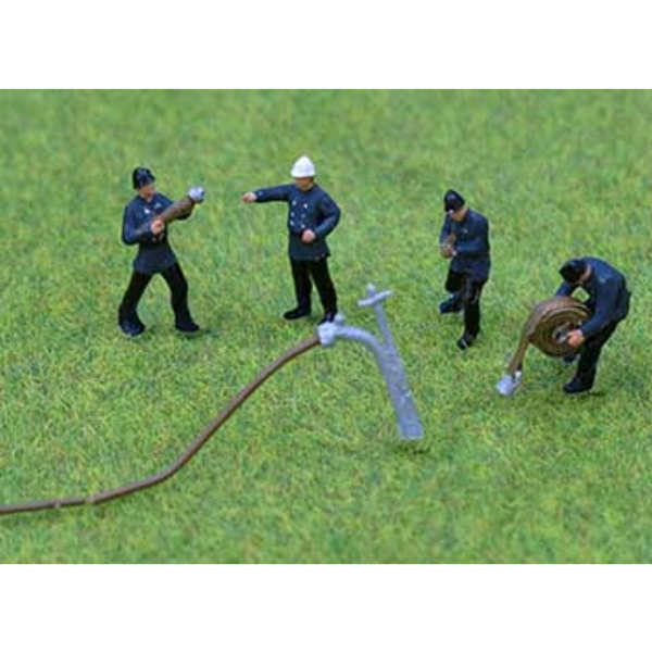 PD Marsh PDZ40 1950/60 Fire Crew (OO Gauge)