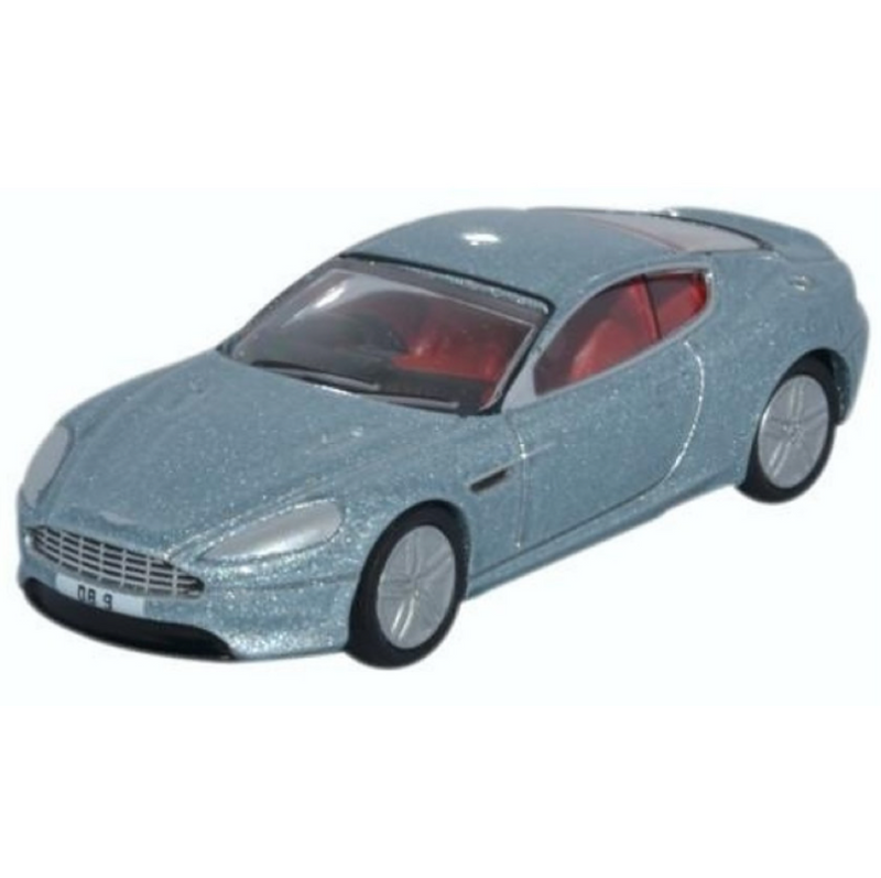Oxford Diecast Aston Martin DB9 Coupe Skyfall Silver