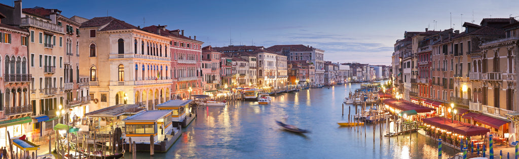Rialto Bridge Wallpaper Mural | WallpaperMural.com