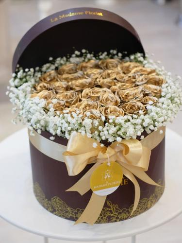 The Beauty Of Gold Roses Paradise Blossom Box