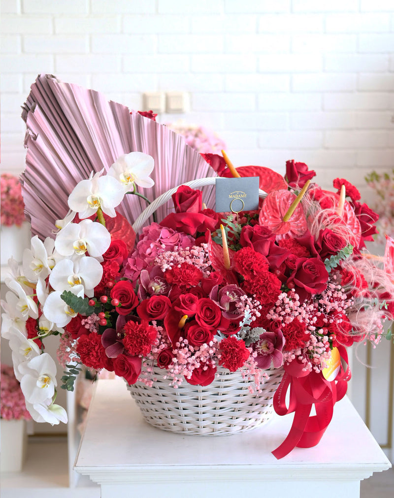 Luxury Graceful Red with Phalaenopsis