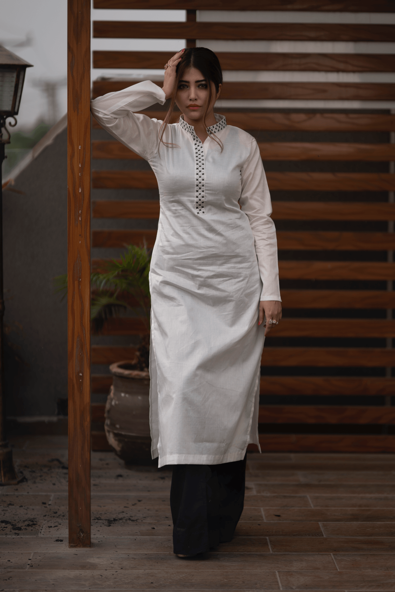 EMBROIDERED KURTA TROUSER