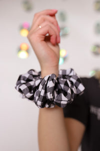 JOURNEY OVERSIZED SCRUNCHIE