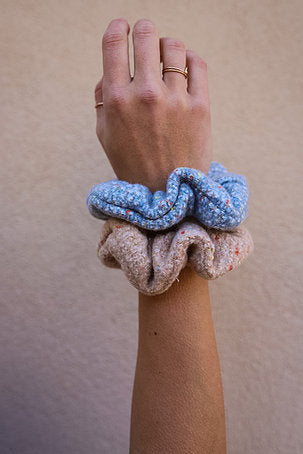MOLLY SCRUNCHIE (2 COLORS)