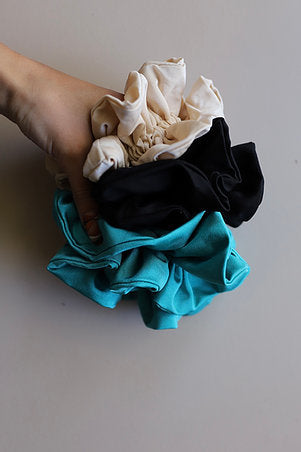 ATYPICAL OVER SIZED SCRUNCHIE