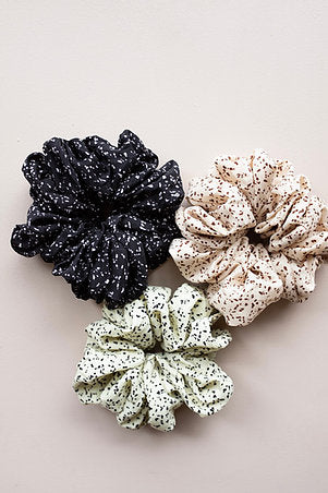 SCRUNCHIES EVERYWHERE (3 COLORS)
