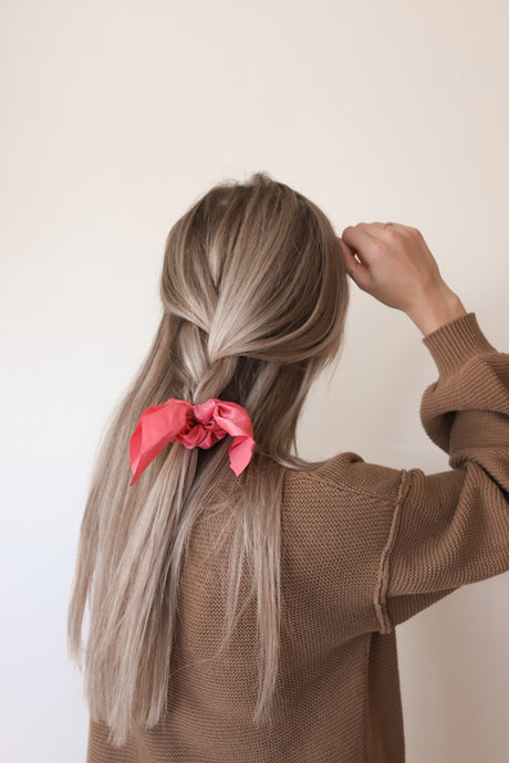 GIMME MORE SCRUNCHIE