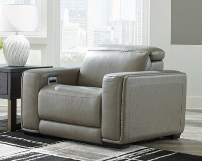 Correze Signature Design by Ashley Recliner with Power