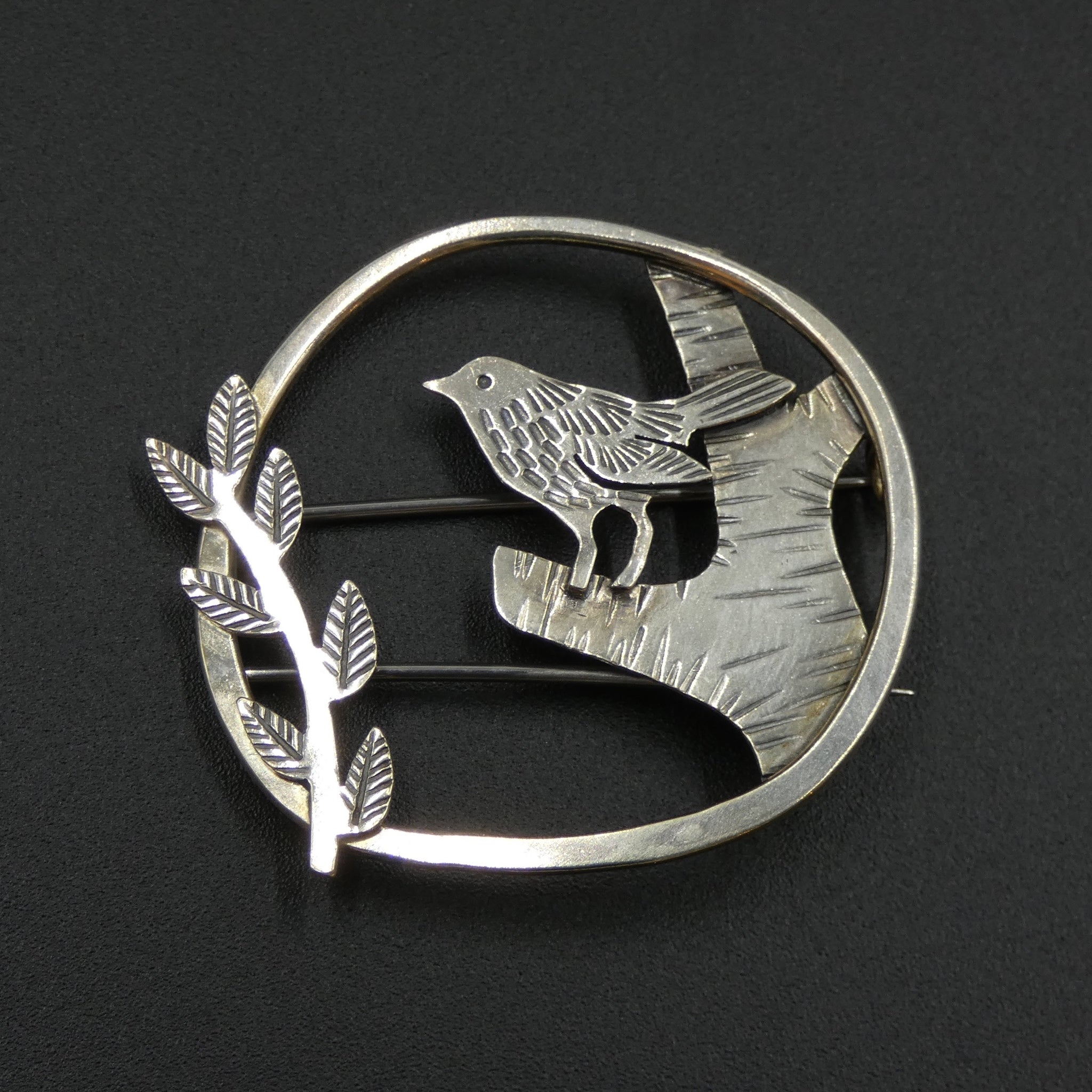 Wren brooch by jeweller Helen Shere