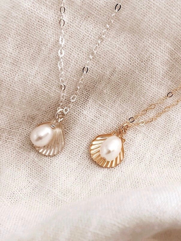 Shell & Pearl Necklace - Gold
