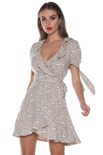 Load image into Gallery viewer, Mi Amor Short Sleeve Wrap Dress