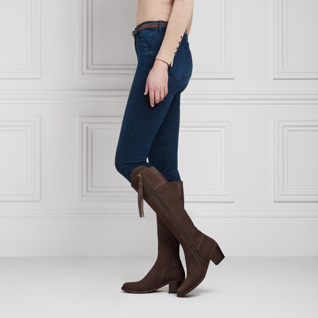 The Heeled Regina (Chocolate) Narrow Fit - Suede Boot