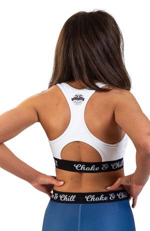choke&chill Sports bra white spats leggins blue fightwear training athlete fighter Streetwear BJJ No-Gi Grappling Brazilian Jiu Jitsu MMA Kampfsport Martial Arts