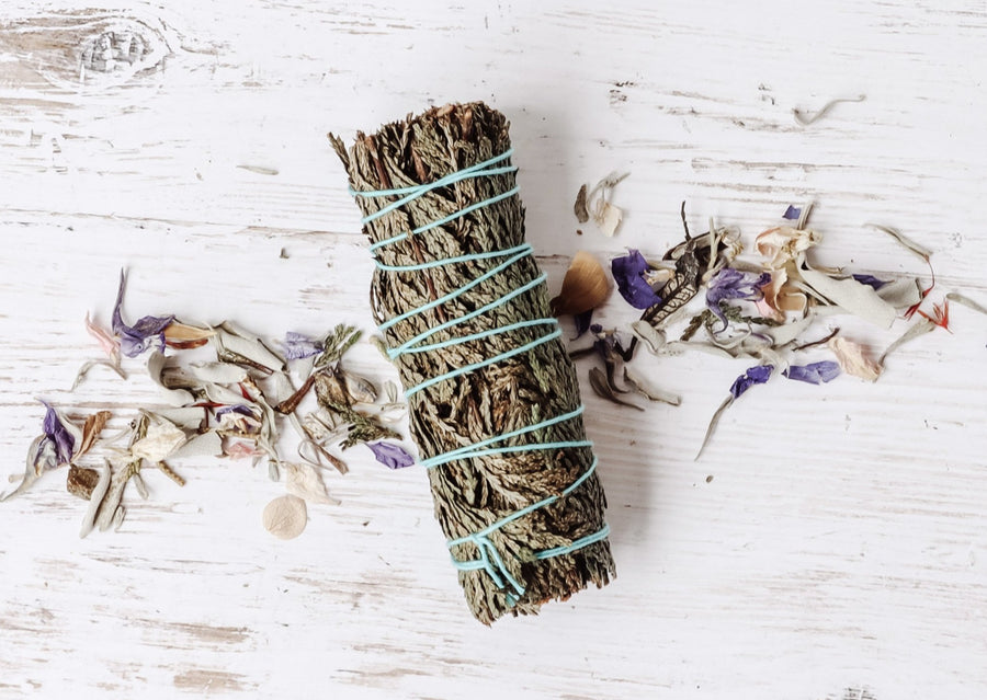 Cedar Smudge Stick ♢ PROTECTION