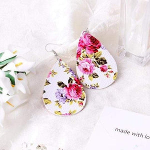 soulvalleytribe Floral Print Earrings in White with Pink flowers