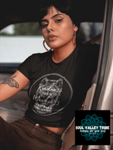 Load image into Gallery viewer, Vintage Wolf Crop Tee