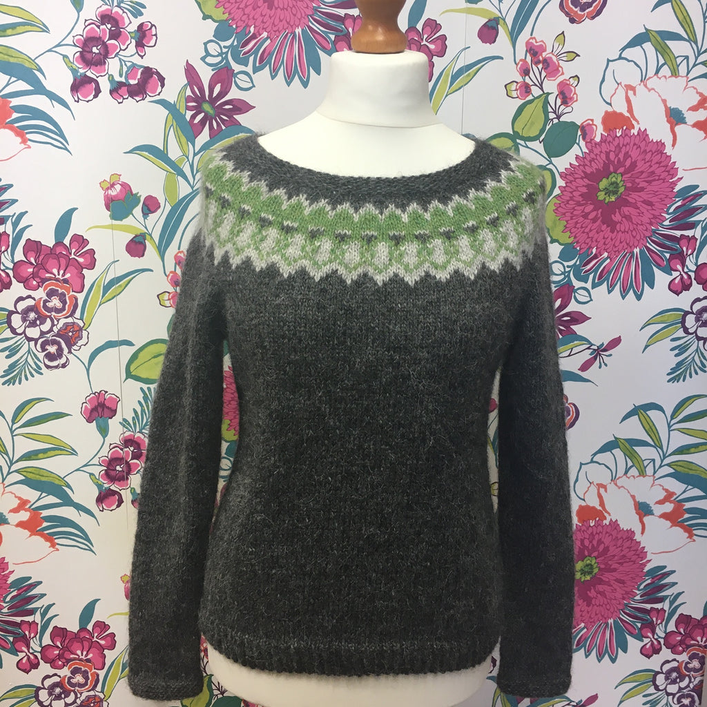 Icelandic yoke jumper in grey and green Lettlopi at the woolly brew