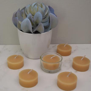Triangle Pack of 1 Glass Cup and 6 Tealights Beeswax Candles