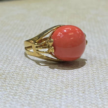 Load image into Gallery viewer, Estate- 18KY Gold Coral Ring