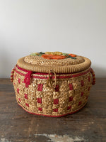 Load image into Gallery viewer, Small Vintage Sewing Basket