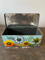Load image into Gallery viewer, Vintage Floral Tin