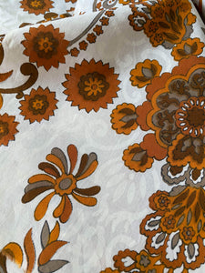 3.5m Vintage Brown Floral Fabric with White pattern