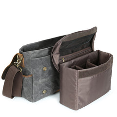 Eilun Leather and Waxed Canvas Messenger Bag|Bag Negesydd Cynfas Cwyr a Lledr Eilun