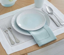 Load image into Gallery viewer, Sferra Linen Table Napkins (set of 4)