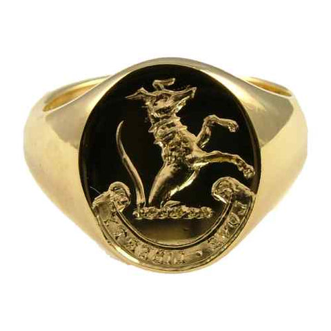 hand engraved crest on 9ct gold ring