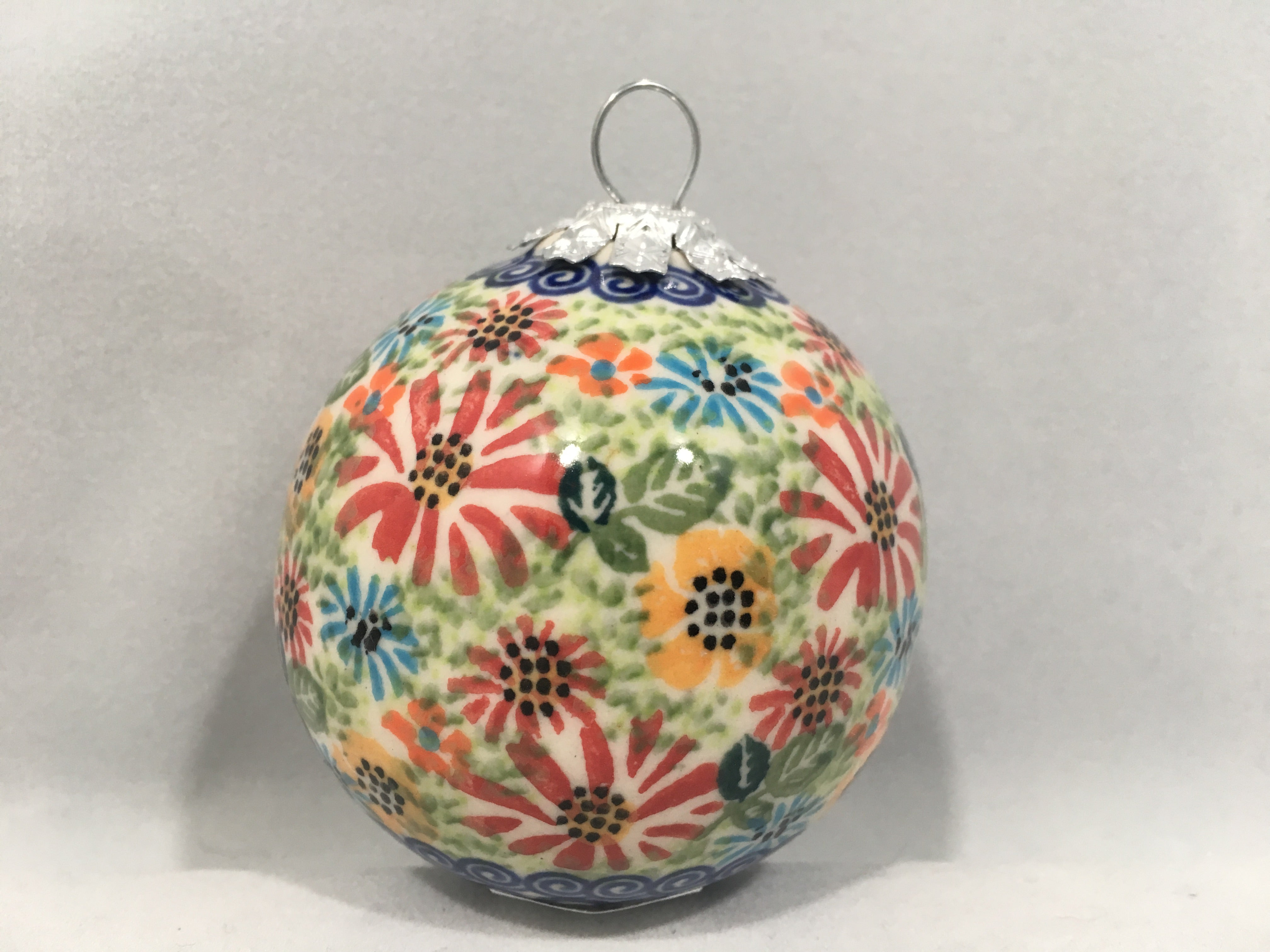 B08 Round Ornament Peppermint