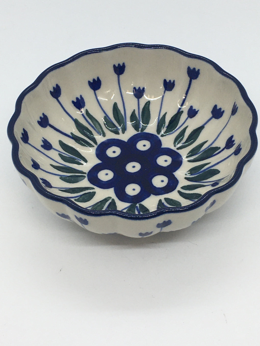 Bowl ~ Scalloped ~ 4.5 inch ~ Bleeding Flower