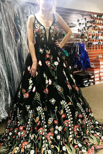Gorgeous Black Floral Embroidered Prom Dress P0955