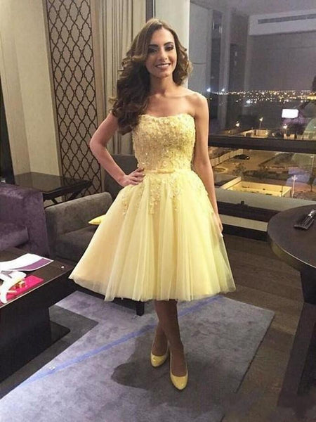 1319,short yellow sleeveless strapless sweetheart applique lace tulle homecoming dresses