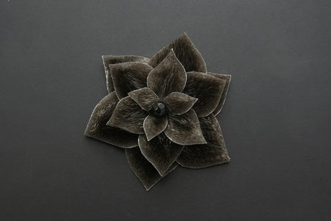 Flower Hair Clip (Natural dark)