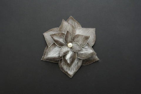 Flower Hair Clip (Natural light)