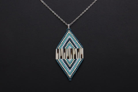 Diamond-Shaped Necklace (Blue)