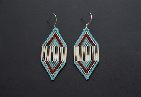 Small Diamond-Shaped Earrings (Blue & Red)