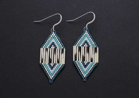 Small Diamond-Shaped Earrings (Blue)