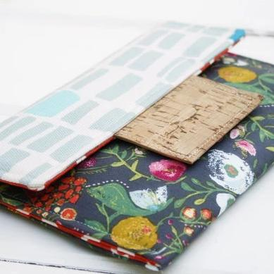 Kindle Paperwhite Case- Personalized Kindle Sleeve - Padded Envelope Case in Bridget Flowers - OhKoey