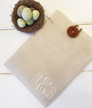 Load image into Gallery viewer, Monogrammed Macbook Sleeve - Personalized Macbook Case in Linen - OhKoey