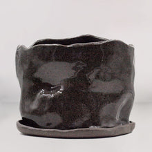 Load image into Gallery viewer, Organic Speckled Black Planter