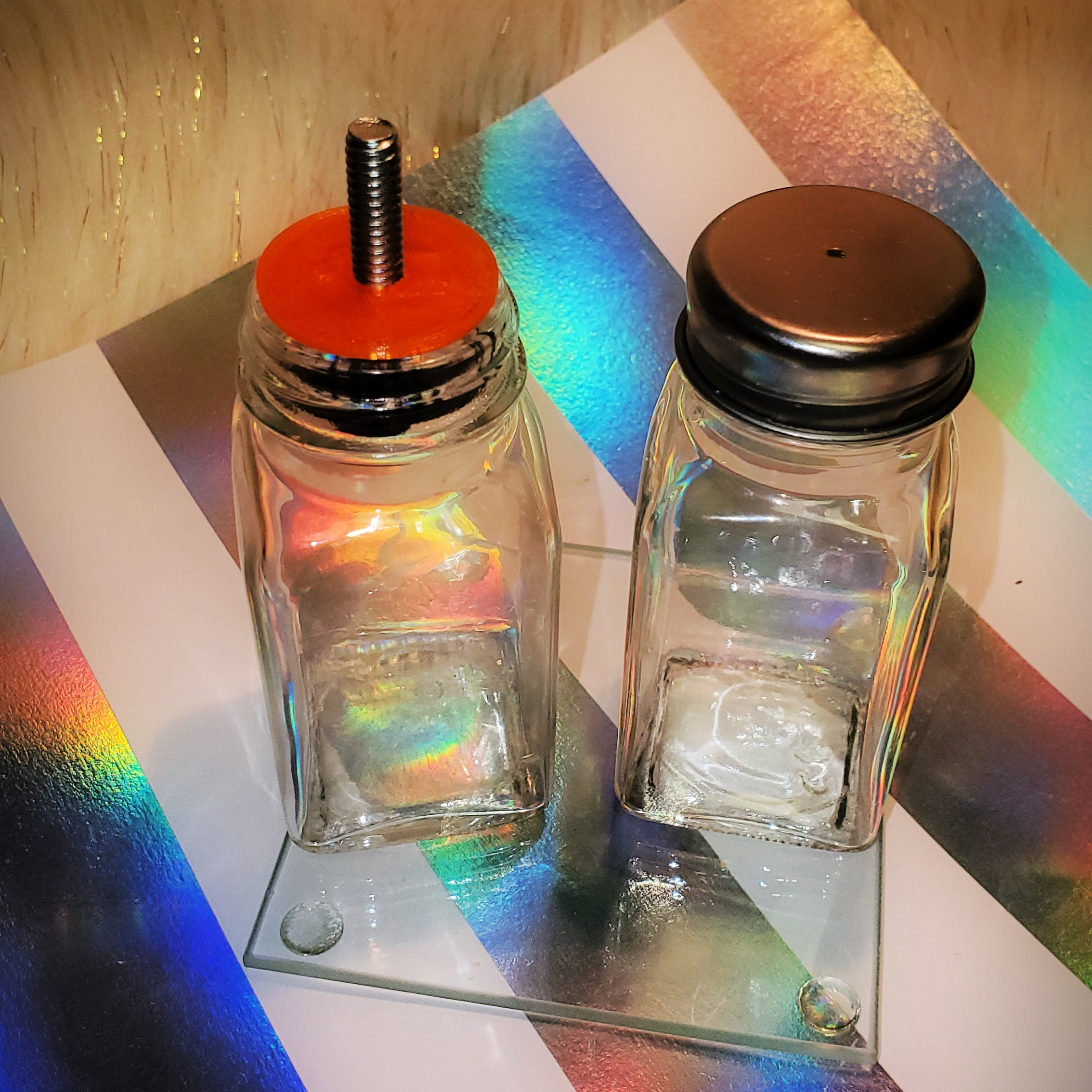 Customizable Salt & Pepper Shaker set