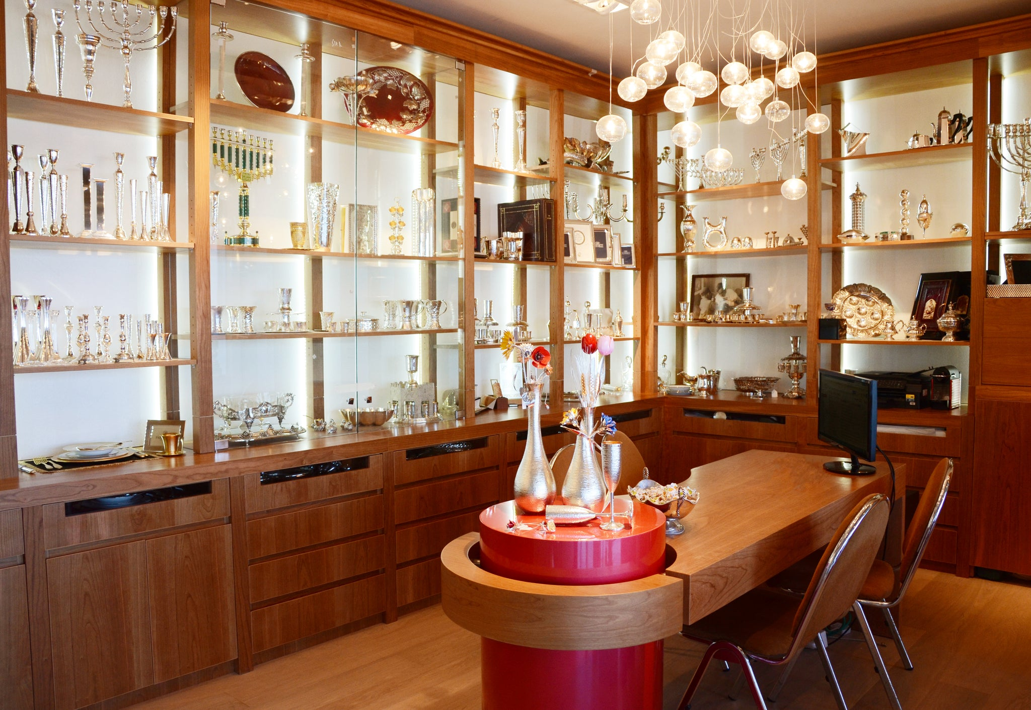 House of Silver and Judaica | Contact